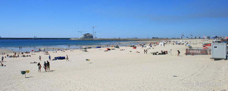 North of Praia de Matosinhos Beach