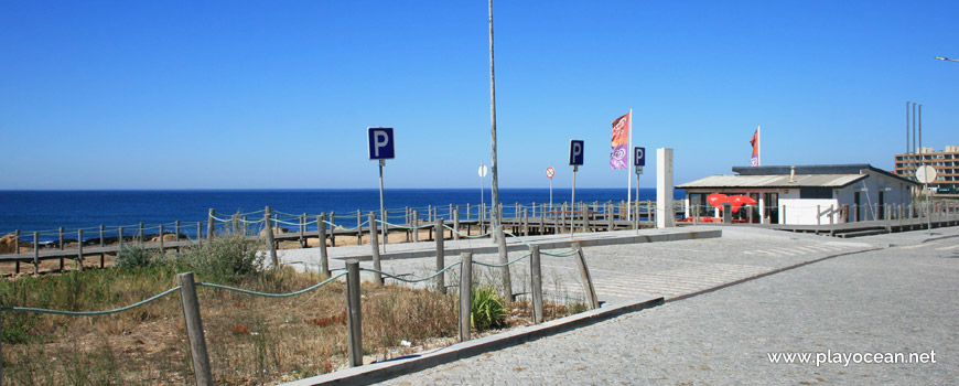 Estacionamento da Praia do Paraíso