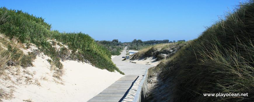 Access to Praia da Colónia de Férias Beach