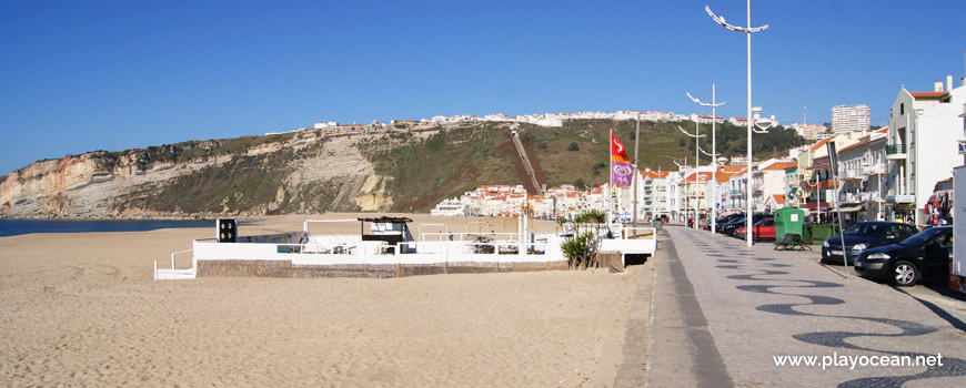 Entrance of Praia da Nazaré Beach