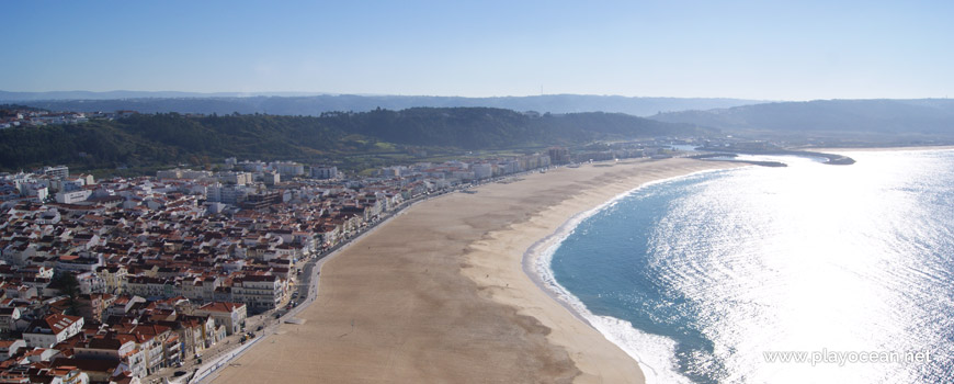 South of Praia da Nazaré Beach