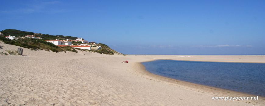 Casas na Praia do Bom Sucesso