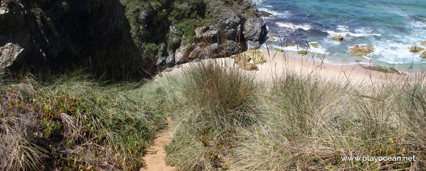 Acesso à Praia da Angra da Cerva