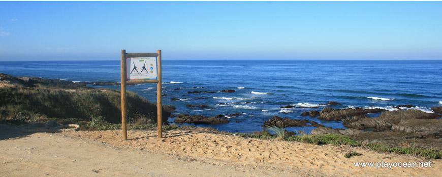 Entrada, Praia dos Carriços
