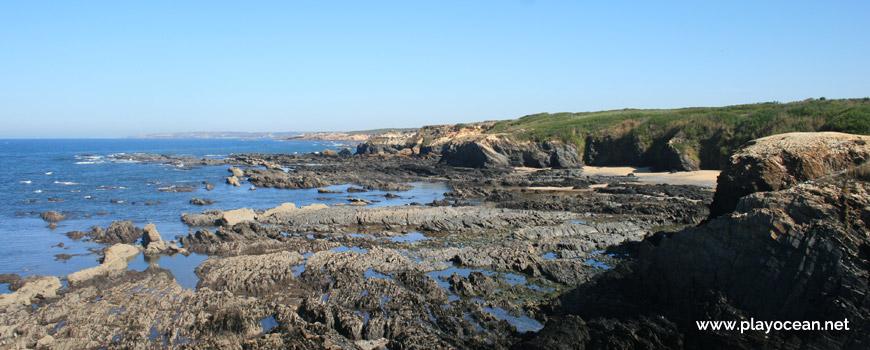 Rochas na Praia do Cavalo