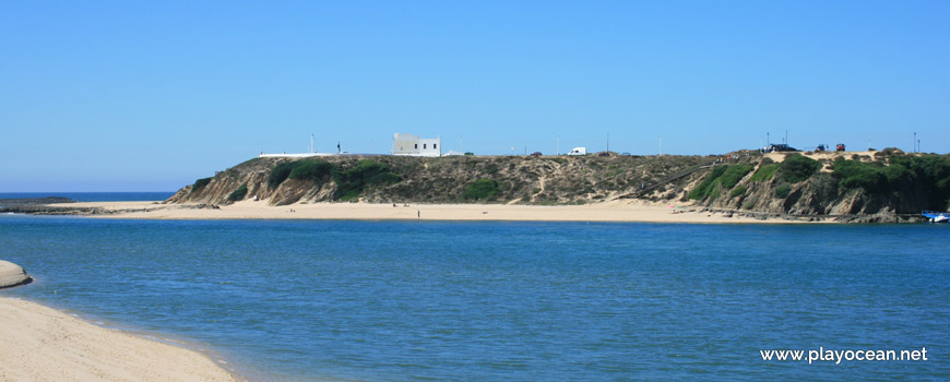 Praia do Farol Beach on the north margin