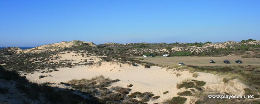 Estacionamento na Praia do Saltinho