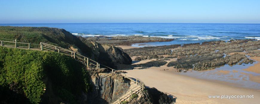 Escadaria para a Praia de Nossa Senhora