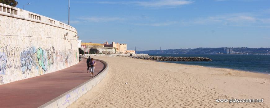 Este na Praia de Santo Amaro de Oeiras