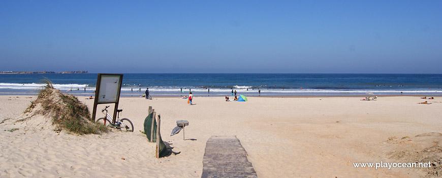 Entrada da Praia do Campismo