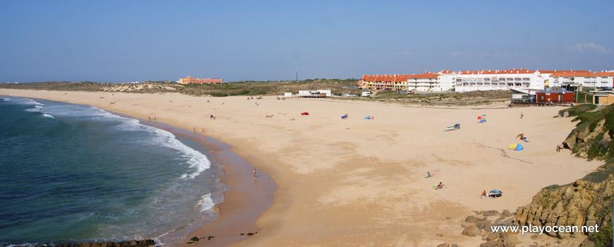 Housing at Praia da Consolação Beach