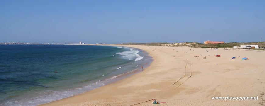 North at Praia da Consolação Beach