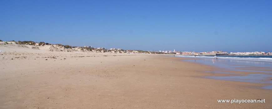 Oeste na Praia da Cova da Alfarroba