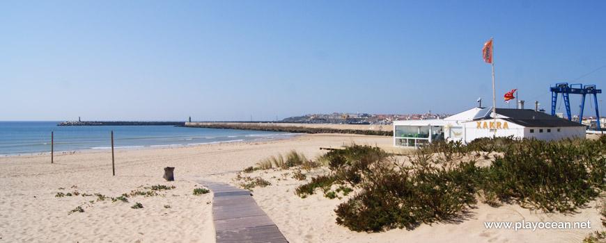 Walkway at Praia do Molhe Leste Beach