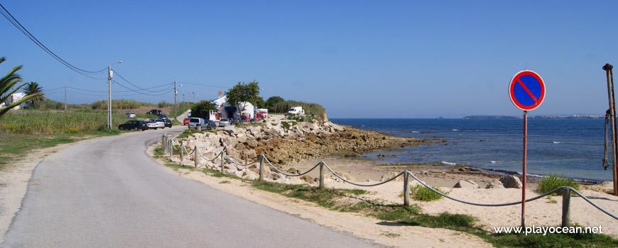 Estrada na Praia do Quebrado
