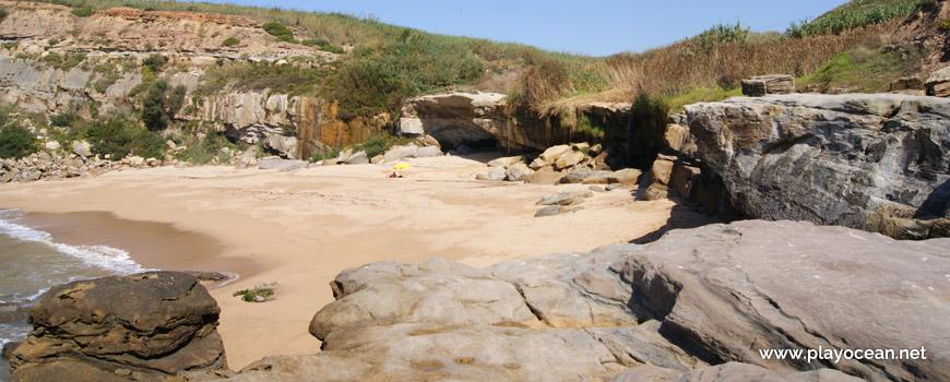 Praia de Vale Pombas Beach
