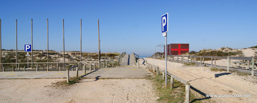 Beginning of the access to Praia do Osso da Baleia Beach
