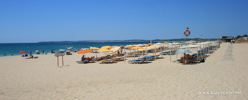 Sunbeds rental at Praia do Alvor (East) Beach
