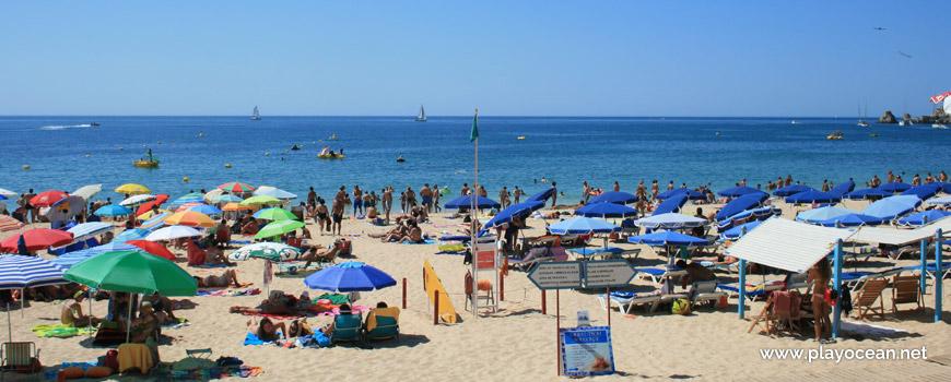 Lifeguard station at Praia do Vau Beach