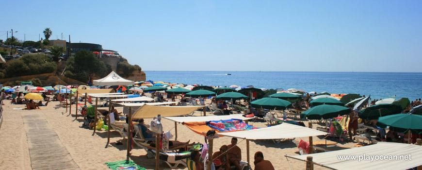 Awnings rental at Praia do Vau Beach