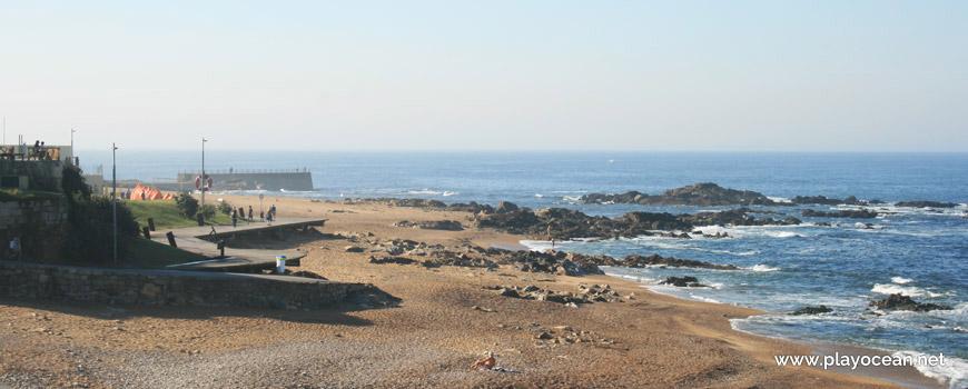 South of Praia do Homem do Leme Beach