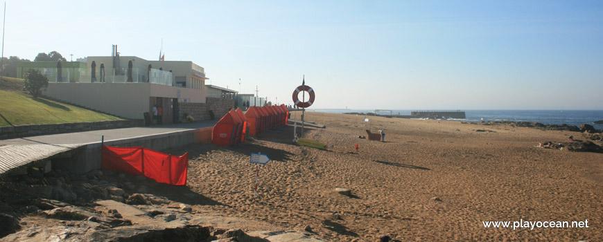 Lifeguard station, Praia do Homem do Leme Beach