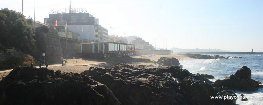 Rochas na Praia dos Ingleses
