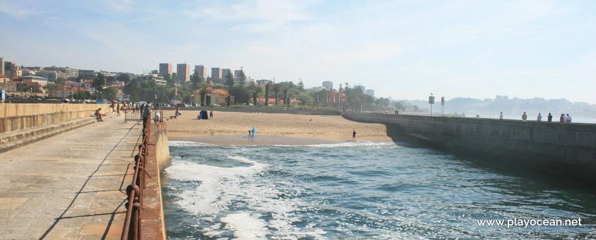 Praia das Pastoras Beach