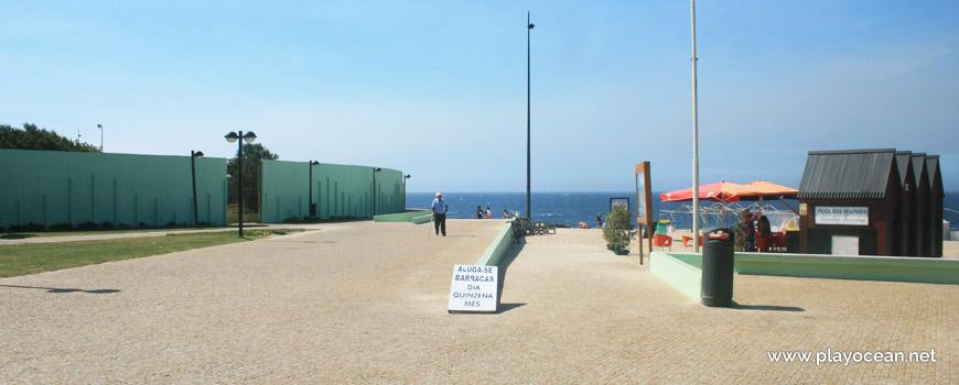 Entrance to Praia dos Beijinhos Beach