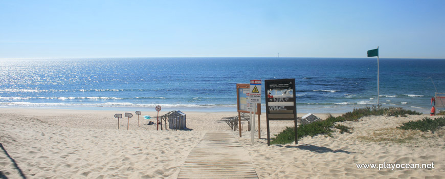 Entrance of Praia da Estela Beach