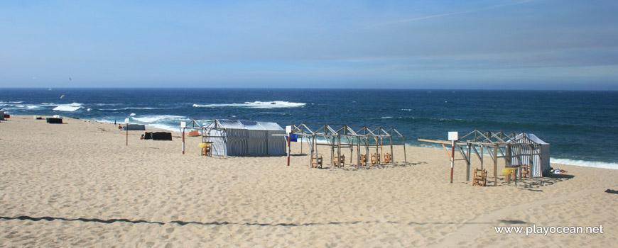 Barracas na Praia da Lada I