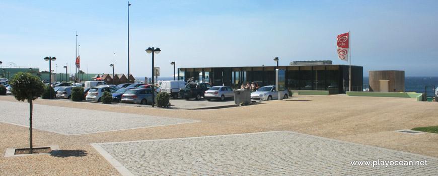 Parking at Praia da Lada II Beach