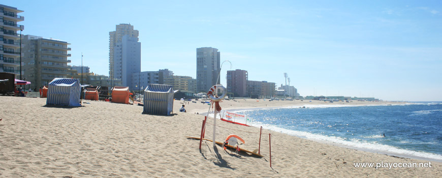 Lifeguard station, Praia da Lagoa-I Beach