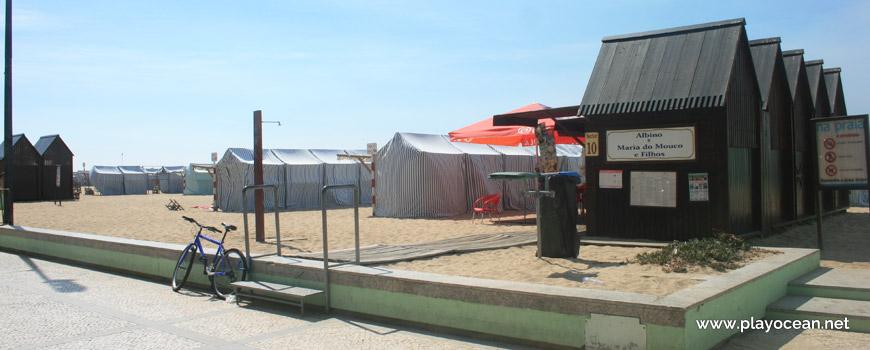 Barracas na Praia Redonda