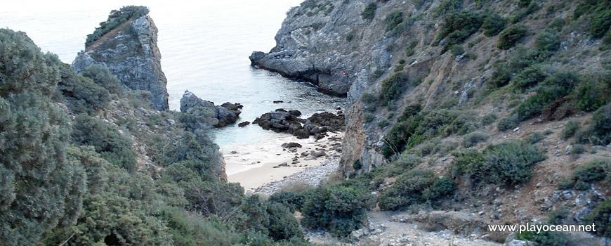 Trilho para a Praia da Ribeira do Cavalo
