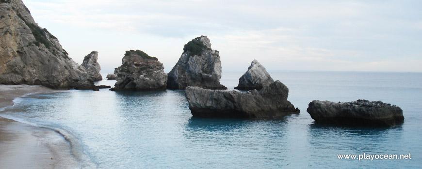 Rochedos à beira mar, Praia da Ribeira do Cavalo