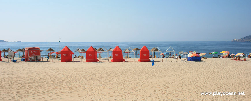 Barracas na Praia de Albarquel