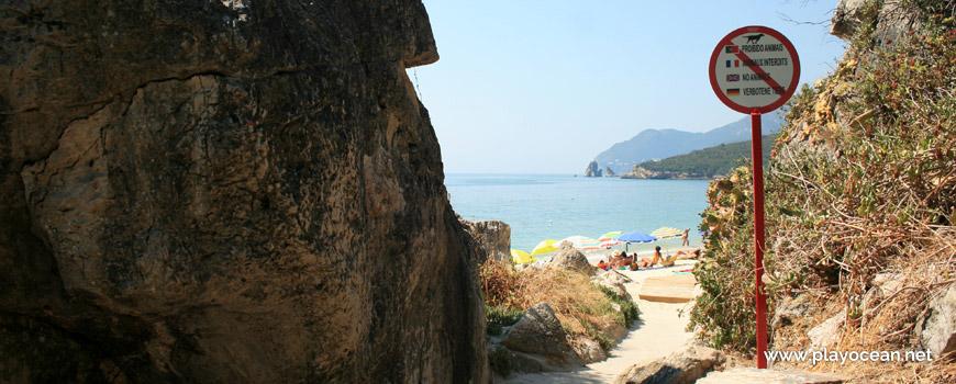 Entrada, Praia dos Galapos