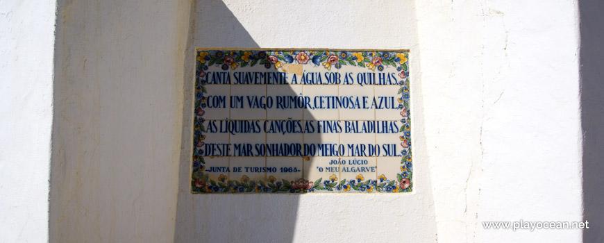 Painel em azulejo na Praia de Armação de Pêra