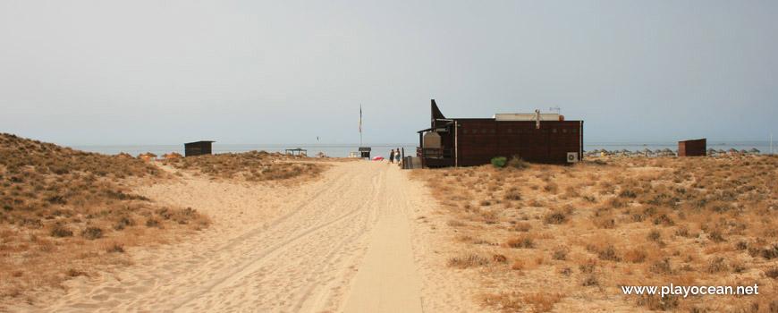 Acesso à Praia Grande de Pêra (Poente)