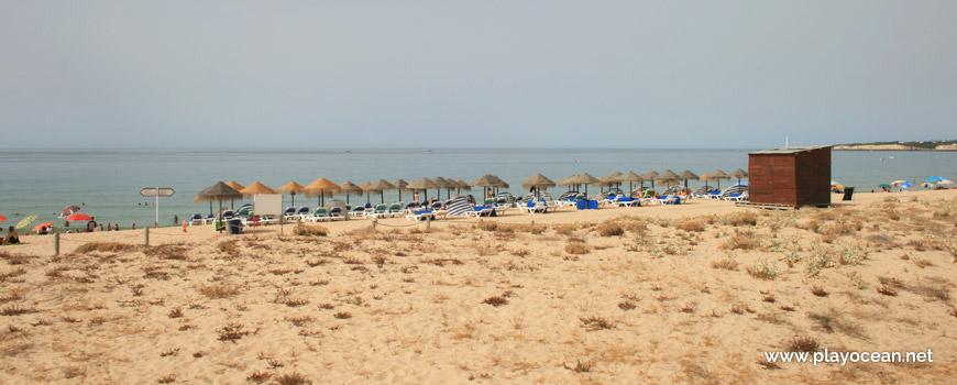 Aluguer de camas na Praia Grande de Pêra (Poente)