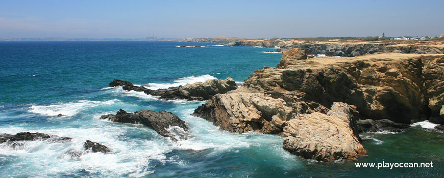 Praia da Gaivota Beach cliff