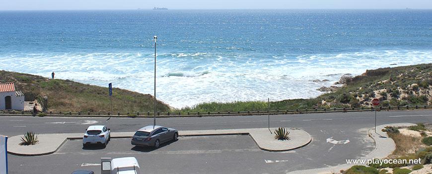 Estacionamento na Praia da Pelengana