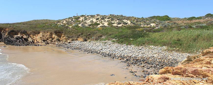 Calhaus rolados na Praia da Pelengana