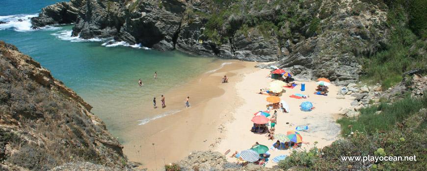 Praia do Serro da Águia Beach
