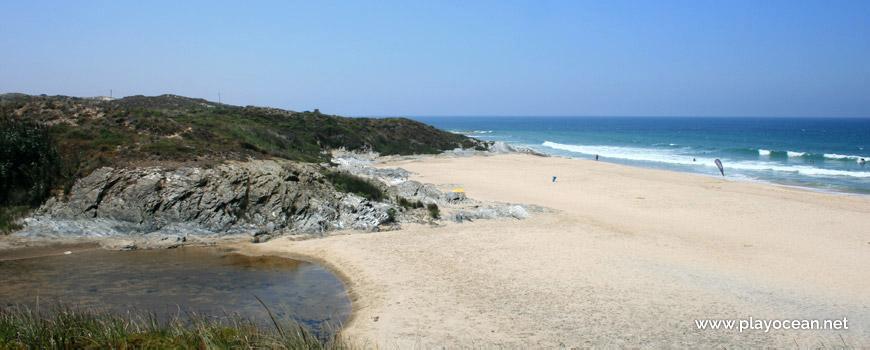 Ribeira da Oliveirinha Praia de Vale Figueiros