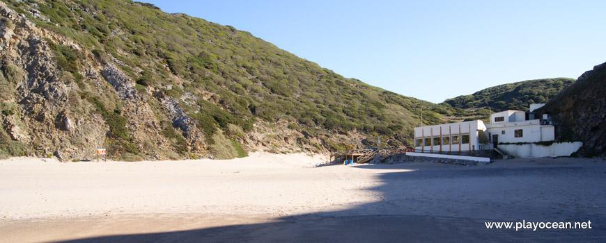 Montes na Praia da Adraga