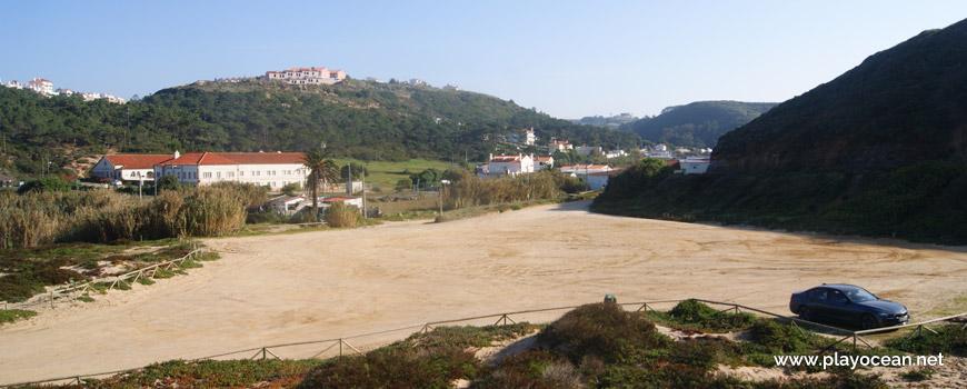 Estacionamento na Praia de São Julião