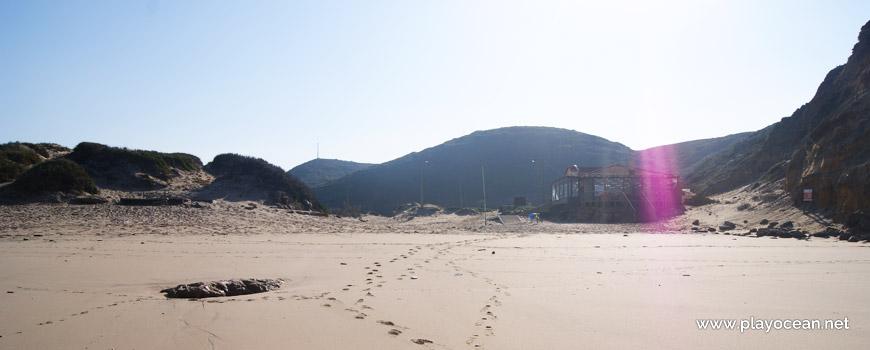 Montes na Praia de São Julião