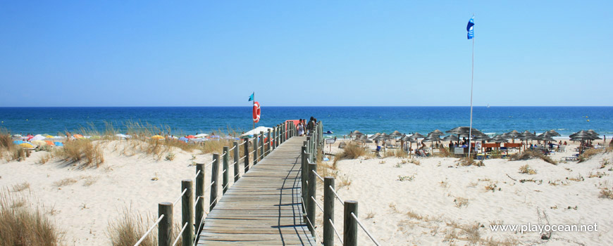 Entrance to Praia de Cabanas (Sea) Beach